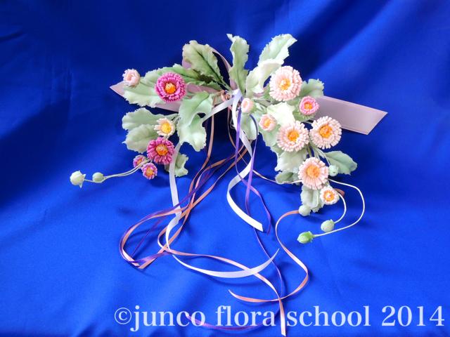 クレイ染の花:デージーのドア飾り